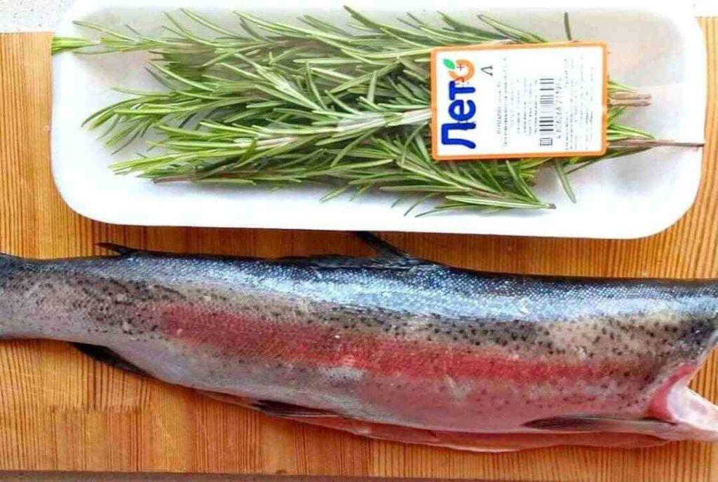 Рыба, запеченная в духовке с овощами и лимоном